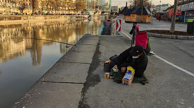 1 (61)...austria vienna ...am kanal...street