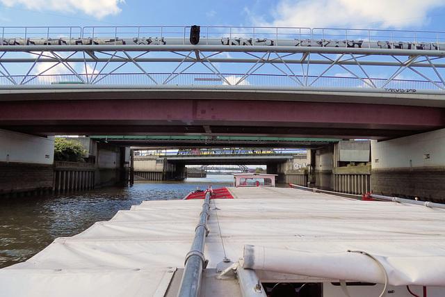 Hafenrundfahrt (8): Durch sieben Brücken muß man fahren