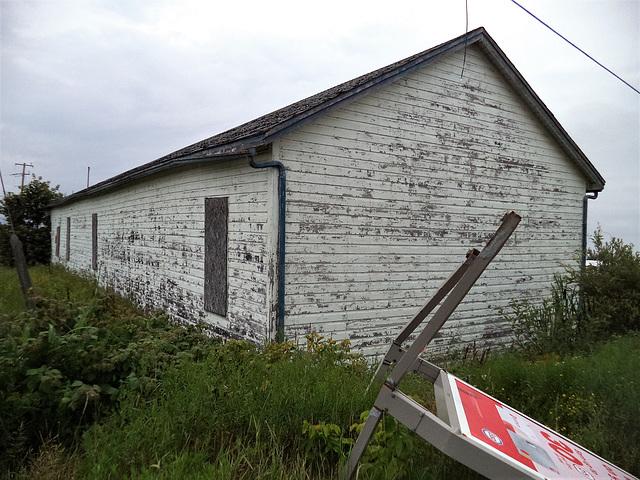 Esso shed / Cabanon esso