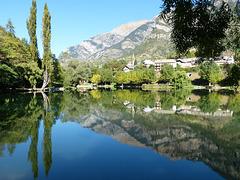 Le  Lauzet et son Lac...
