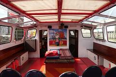 Hafenrundfahrt (3):  Innenraum der Barkasse