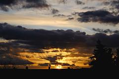Abendhimmel mit dramatischen Wolken