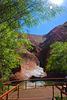 Mutitjilda-Schlucht  -  ein ständiges Wasserloch am Fuße des Uluru