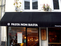 "Of course no!   (in portuguese slang ""pasta"" is  ""money"")"