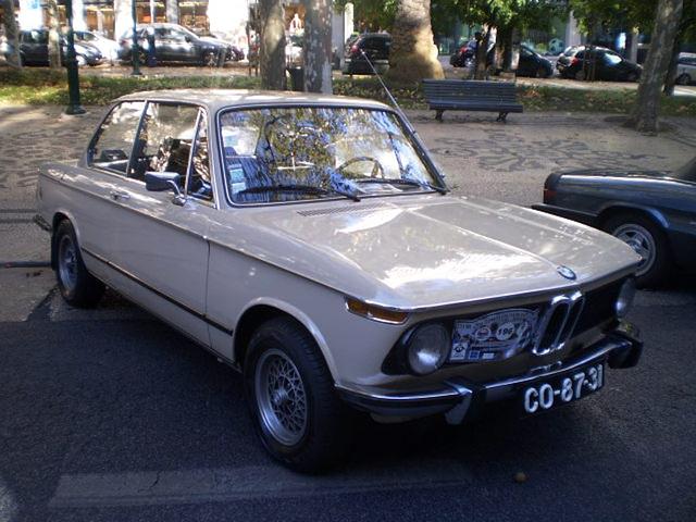 BMW 1602 (1974).