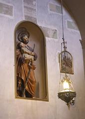 Statue in Chiesa di San Marcello al Corso
