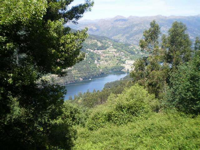 Cávado River.