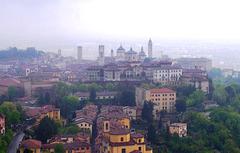 IT - Bergamo - Blick von San Vigilio zur Cittá Alta
