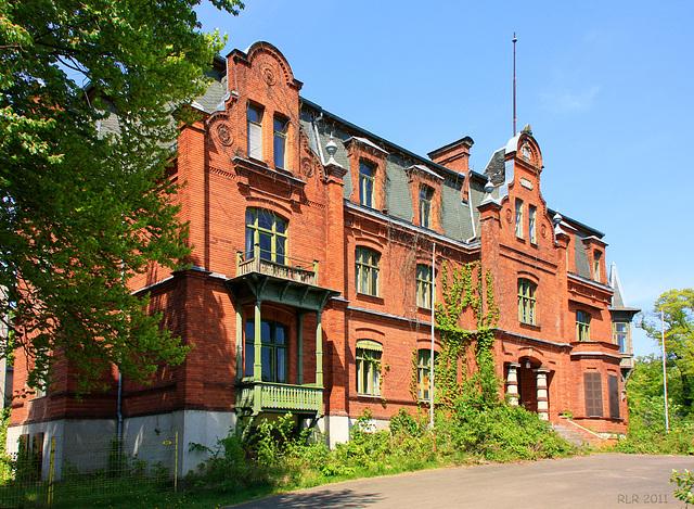 Raben Steinfeld, Schloss