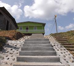 Subir la escalera si mais laquelle ?