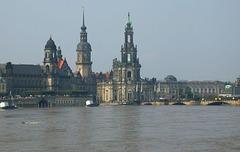 020 Elbehochwasser in Dresden 2002