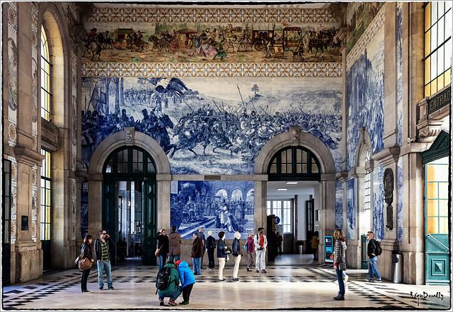 Salle des pas perdus, gare de Porto...