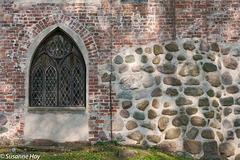 Fenster an der Pfarrkirche von Altenkirchen
