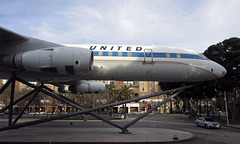 DC-8 at Exposition Park (2664)