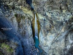 La bella cascata del Rio di Roccaprebalza (Berceto)