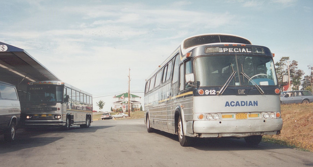 Acadian Lines 912 and 118 at New Glasgow, Nova Scotia - 7 Sep 1992 (Ref 173-34)