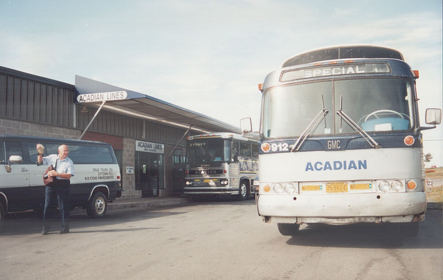Acadian Lines 912 and 118 at New Glasgow, Nova Scotia - 7 Sep 1992 (Ref 173-33)