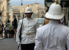 Wachablösung am Pjazza San Gorg (© Buelipix)