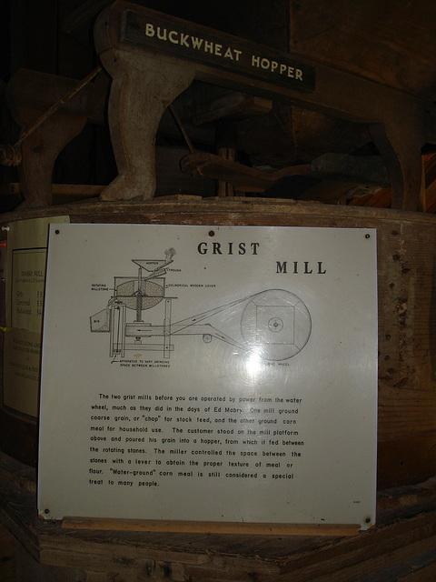 Buckweat hopper grist mill