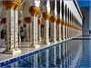 AbuDhabi : Riflessi nella fontana - colonnato di levante
