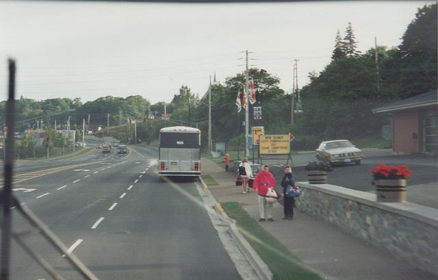 Acadian Lines 105 at Bedford, Nova Scotia - 7 Sep 1992 (Ref 173-24)