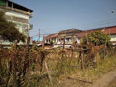 Clôture de campagne au centre-ville (Laos)