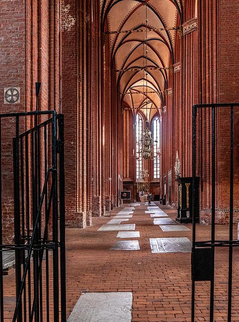St. Nikolai in Wismar, Seitenschiff