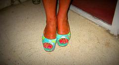 Les beaux pieds lascifs de Madame Tissot ohhhh !