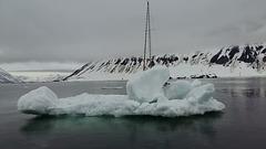 Svalbard, Hornsund-fjord, Disembarkation to the Drifting Floe