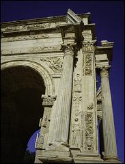 Arch corner