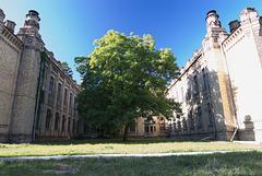 Blick auf der Rückseite des Chemie-Gebäudes NTUU-KPI