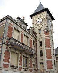 ST CYR/LOIRE la mairie