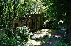 Ein Ort der Ruhe mitten in Berlin -Friedhof Buschkrugallee
