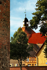 Freyenstein, Blick aus dem Schlosspark zur Marienkirche