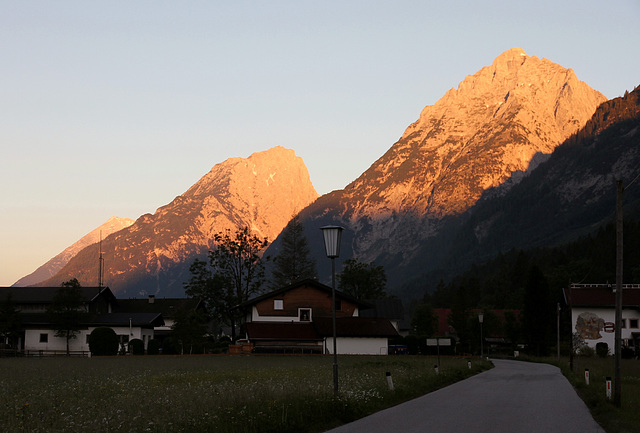 Alpenglühen bei Sonnenaufgang