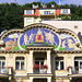 Giebel eines Jugendstilhauses in Karlsbad