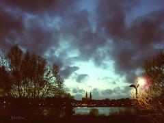 Bordeaux, à quelques enjambées au-dessus de la Garonne...