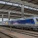 Die Mitteldeutsche Regiobahn stellt sich mit 223 144 und einem Regiozug in Chemnitz vor