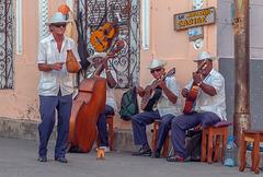 Musicans in a sideway in Santiago de Cuba