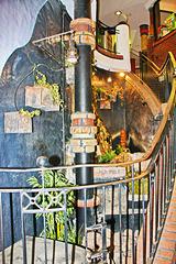 Uelzen, ein Brunnen im Hundertwasser-Bahnhof ... HFF !