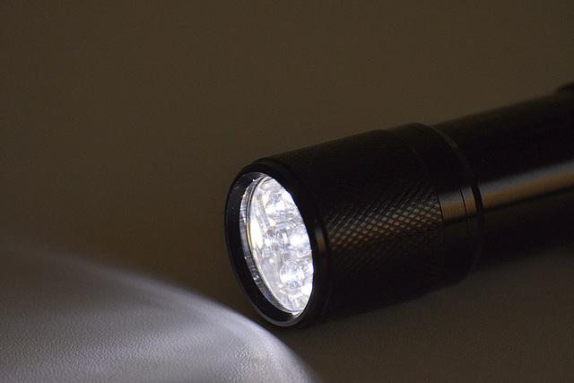 Kleine Taschenlampe, brenn !