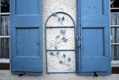Cotignac in blue
