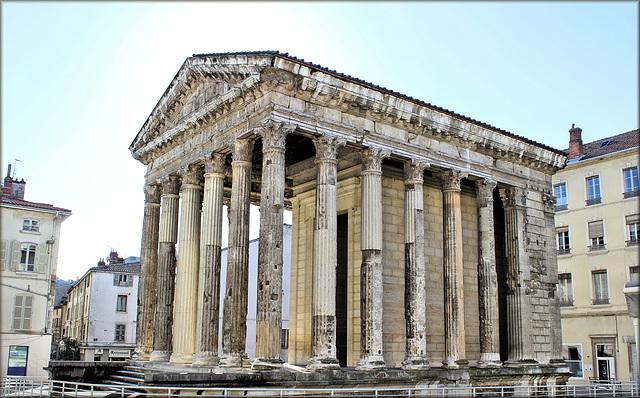 Vienne (38) 4 février 2014. Temple d'Auguste et de Livie.