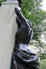 sir arthur sullivan monument, embankment, london (6)