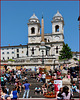 Roma : Piazza di Spagna - Oggi è vietato bivaccare sulla scalinata di Trinità dei Monti