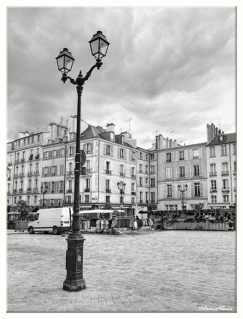 54# Réverbère en Place Saint-Louis, Versaille