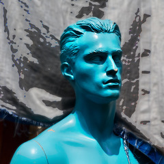 I spy .... blue emotions ... ♫ ♪ ♪ ♫