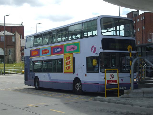 DSCF0471 First Manchester YJ51 RCZ