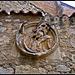 Salamanca: detalle escultórico en un muro