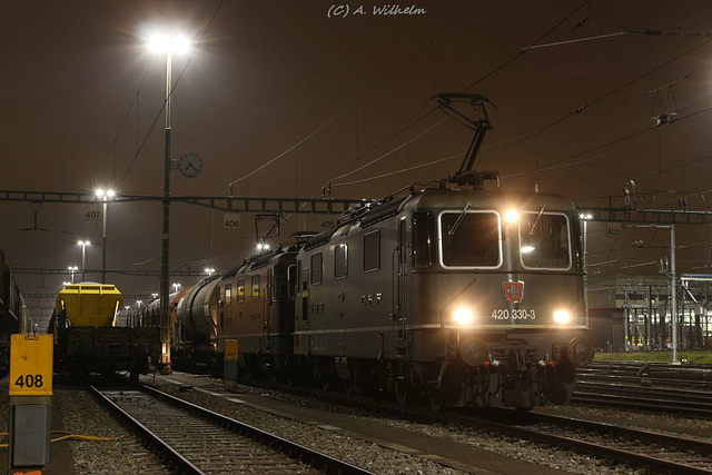 Re 420 330-3 + Re 420 296-6